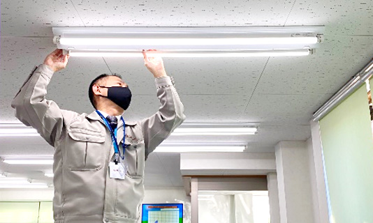 LED蛍光灯の取り付け